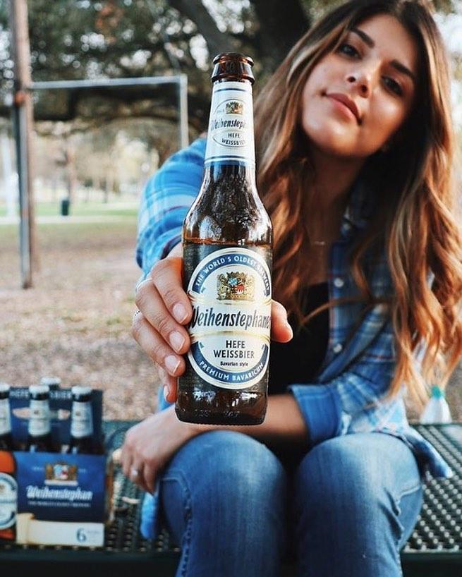 אישה ובירה בלי פילטרים