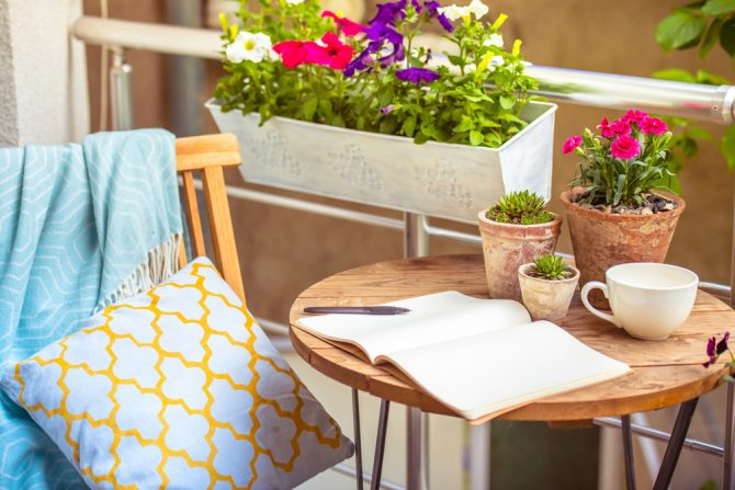 DIY: כך תהפכו את המרפסת שלכם למקום אירוח מושלם